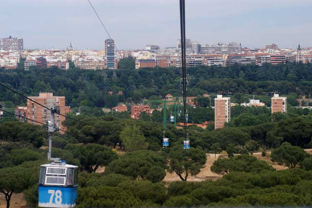 Спуск от парка Casa de Campo к центру Мадрида